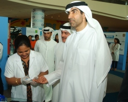 Photo of Sheikh Tahnoon bin Saeed leads crowd of 15,000 in walk against diabetes