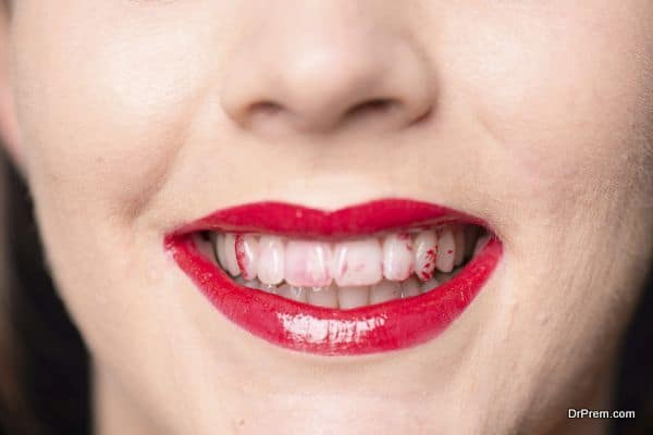 improper application of lipstick l