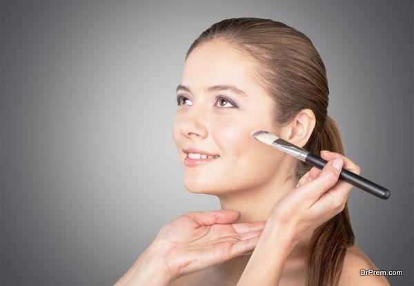 Photo of Understanding sandbagging technique that Kim Kardashian's makeup artist swears by