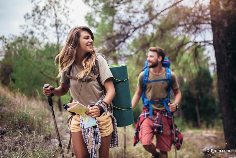 couple-enjoying physical activities in nature