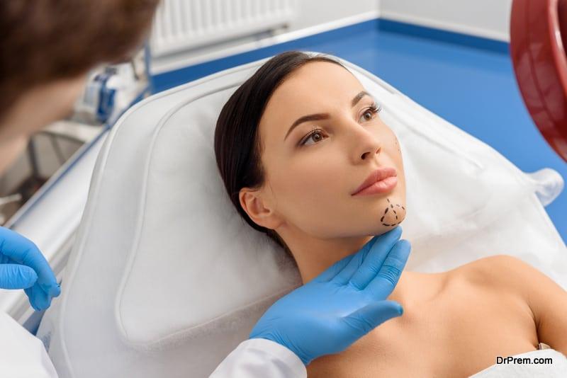 woman undergoing Aesthetic treatment