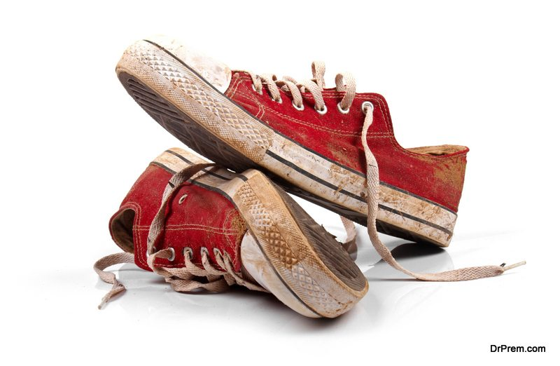 Makeover-your-old-sneakers