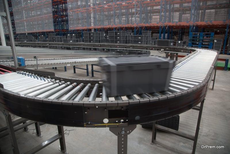 Curved conveyor belts