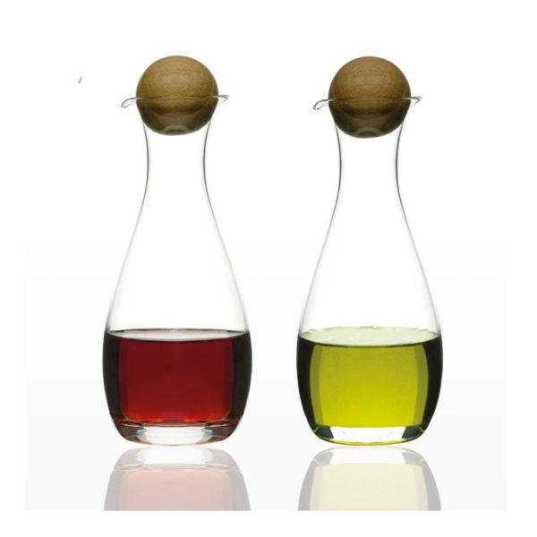 product-829-1-sagaform-oil-vinegar-bottles-oak-stoppers