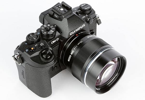 Olympus-OM-D-E-M1-product-shot-7