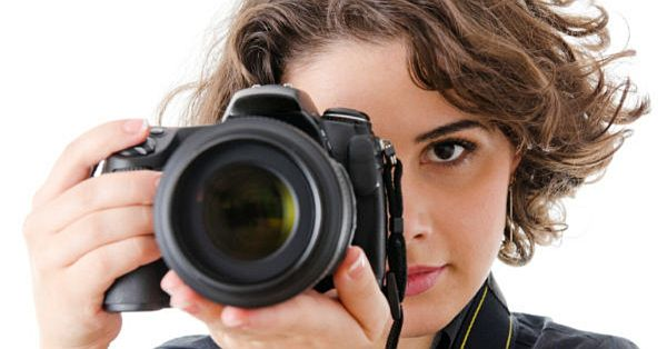girl clicking pictures
