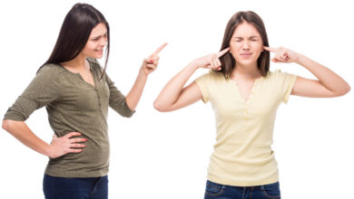 How to deal with a narcissistic mother