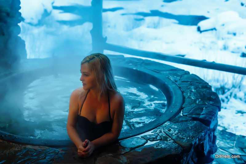 Outdoor thermal bath