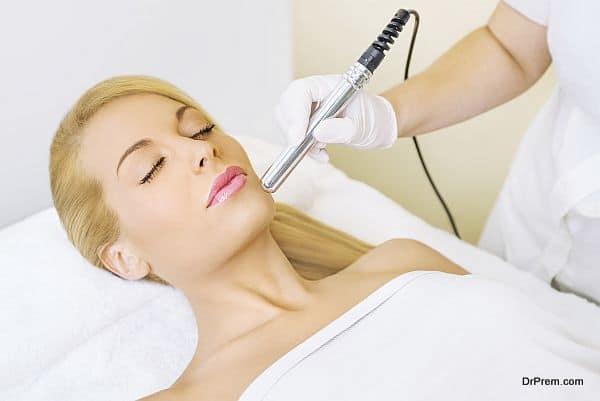 woman-on-skin-treatment-medical-tourism