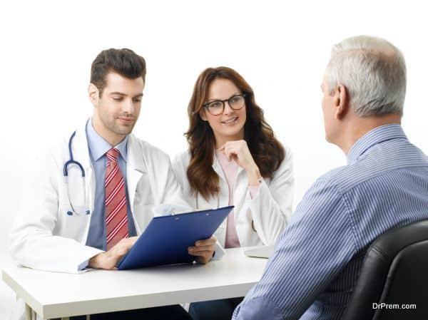 patient-enquiring-doctors