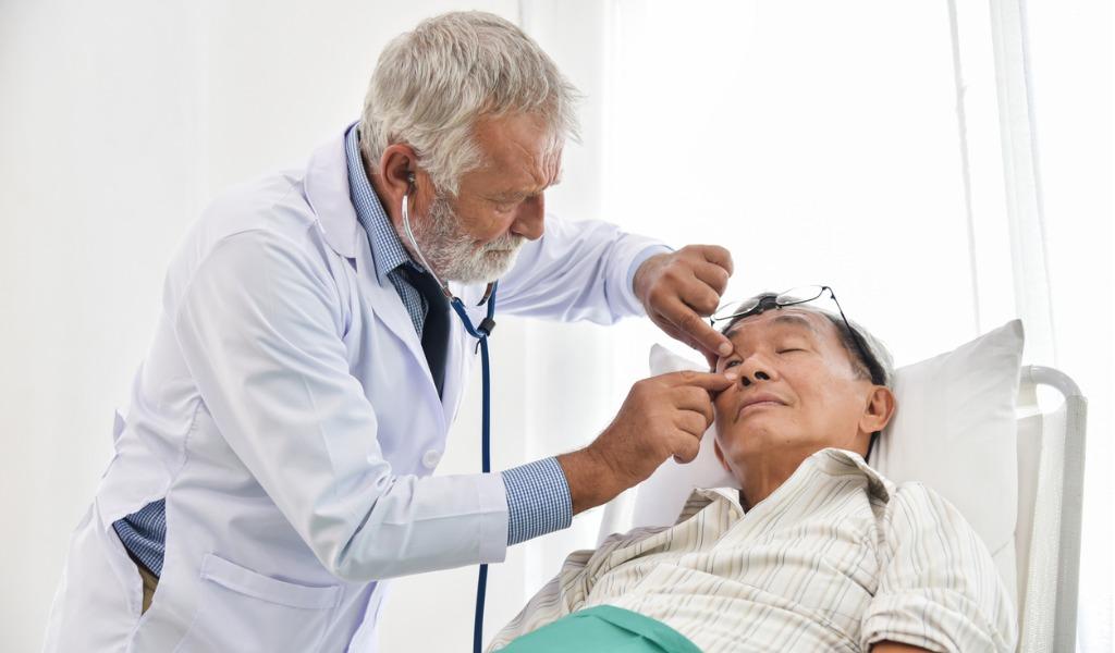 Eye-Surgery-Symptoms