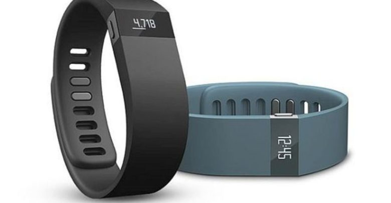 Fitbit Charge Wireless Activity Wristband helps you keep track on your fitness, workouts