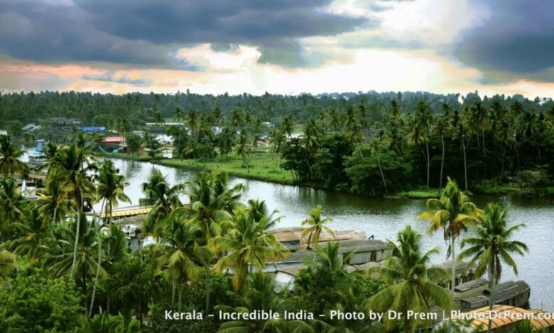 Here Are Some Pics Of Mesmerising, Green And Incredibly Beautiful Kerala - Dr Prem Jagyasi