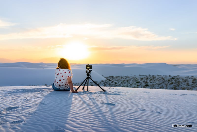 woman on photographic tourism