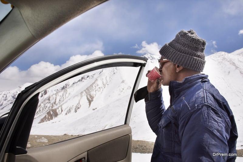 coffee break during winter travel