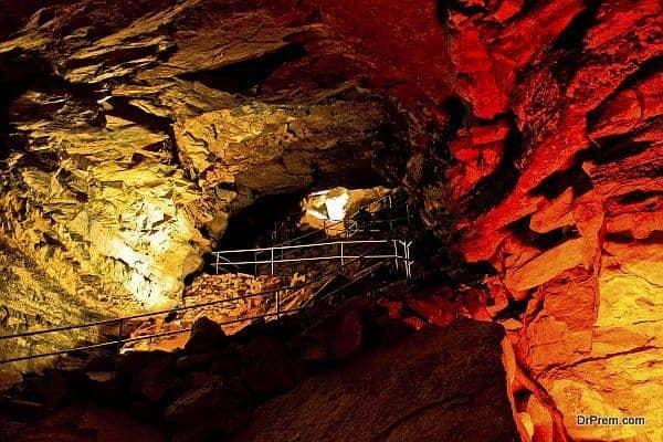 Carlsbad Caverns Colossal underground refuge New Mexico