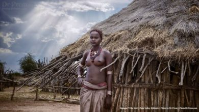 A young hammar tribe girl in Ethiopia