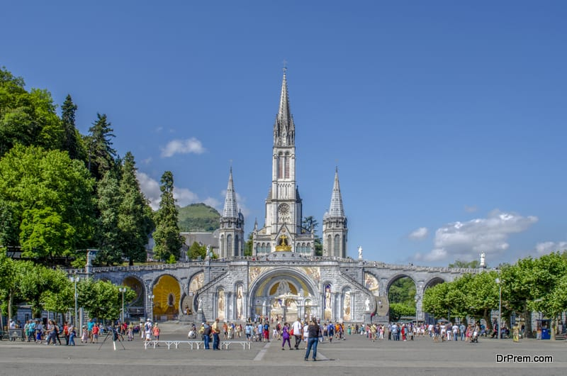 The-Basilica-of-Our-Lady-of-Immaculate-Conception-of-Lourdes-France