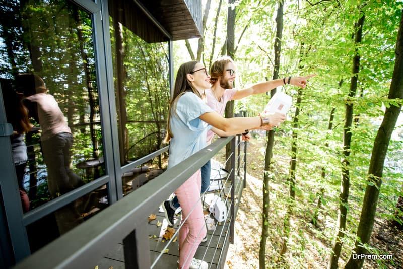 couple on ecotourism