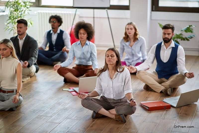 meditating-employees