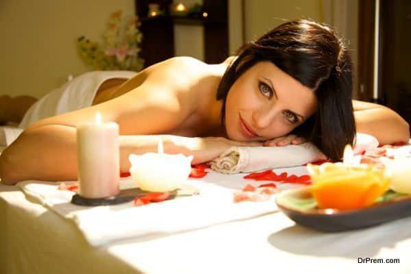 lady receiving Aromatherapy (1)