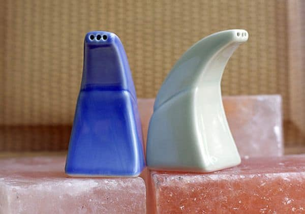 Inhalation of dry salt aerosol