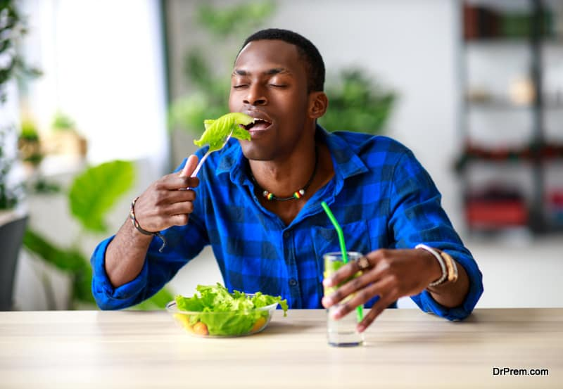 male consuming organic food