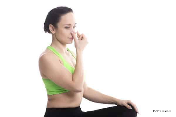Vishnu Mudra in hatha yoga Alternate Nostril Breathing