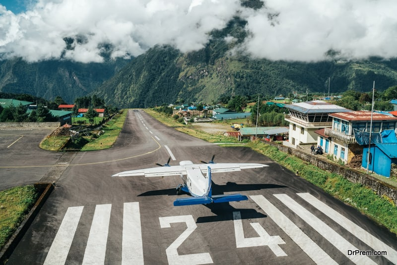 world's most dangerous airport in Lukla,Nepal