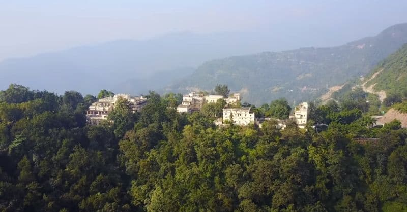 Ananda in the Himalayas, Uttarakhand