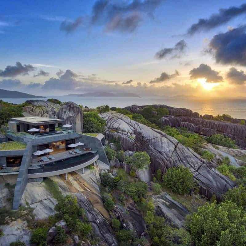 High-end luxury travel