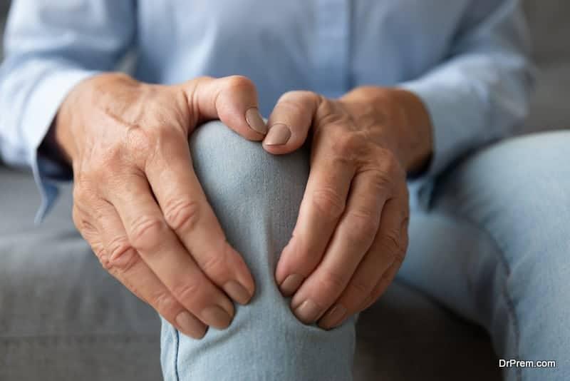 swollen joints complication
