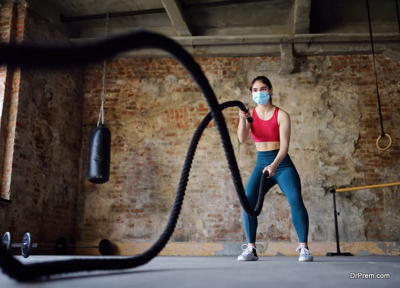 Young-woman-practicing-High-intensity-interval-training