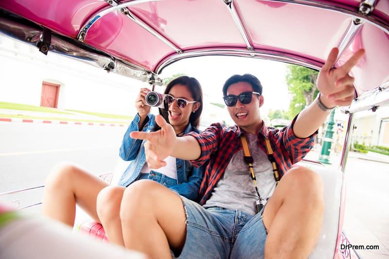 couple on tuk tuk ride