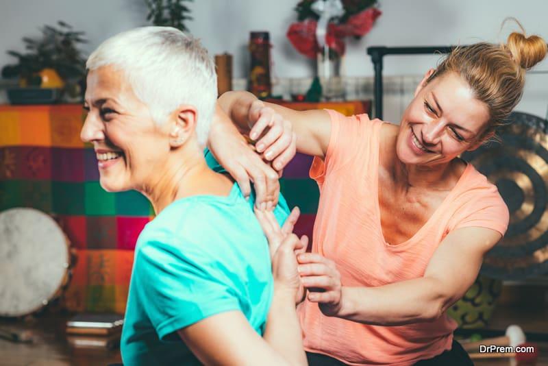 woman attending wellness program under specialist