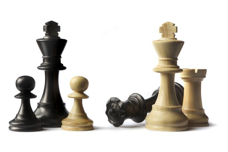 chess_pieces_photo